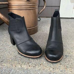 SOREL Addington Leather Waterproof Chelsea Boot 10